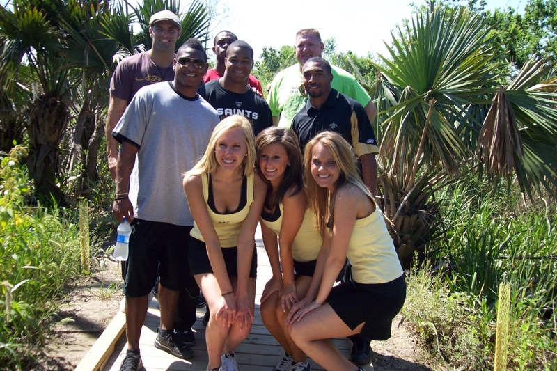 New Orleans Saints and Saintsations Spend Earth Day with Hurst Students at Wetland Watchers Park!